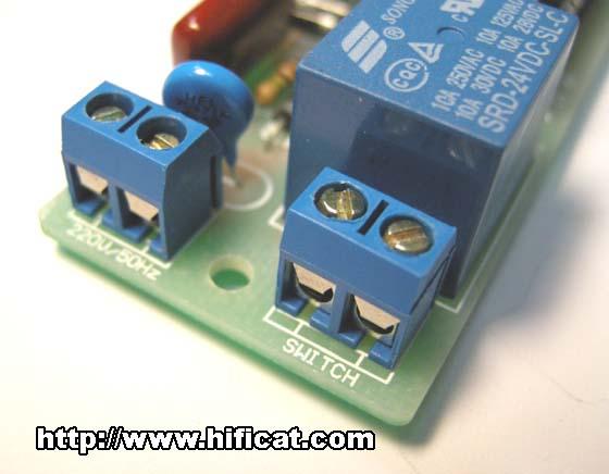 """右侧""""switch""""接线端:连接控制设备"""