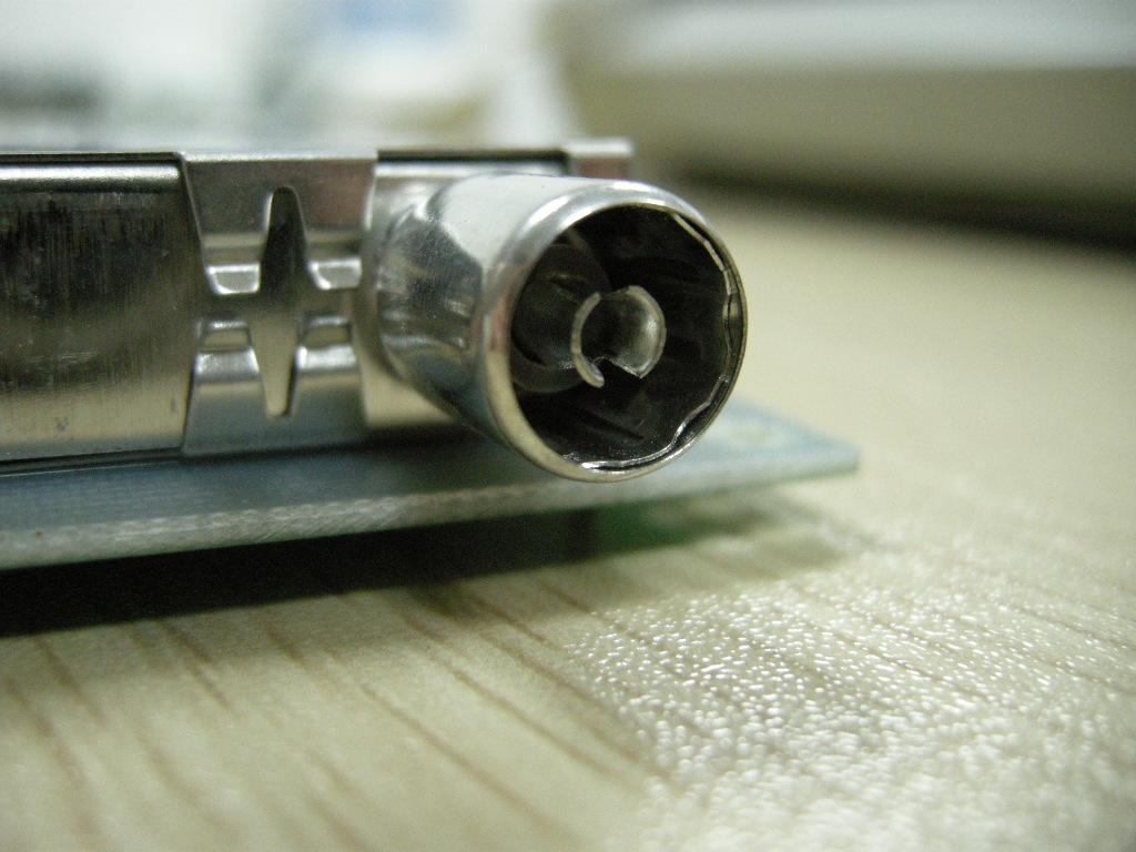 板载tda2822功放电路,空余一路功放通道供用户自行使用